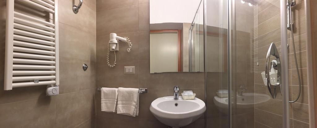 hotel-fiuggi-delle-ortensie-bagno-camera-singola-deluxe