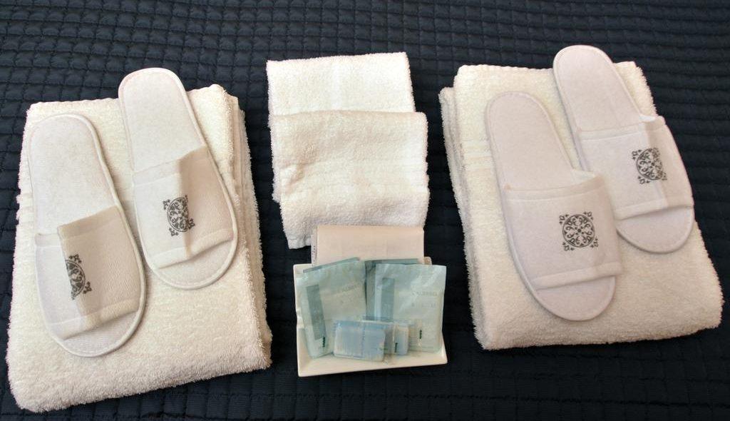 hotel-fiuggi-delle-ortensie-bagno-camera-matrimoniale-kit-cortesia